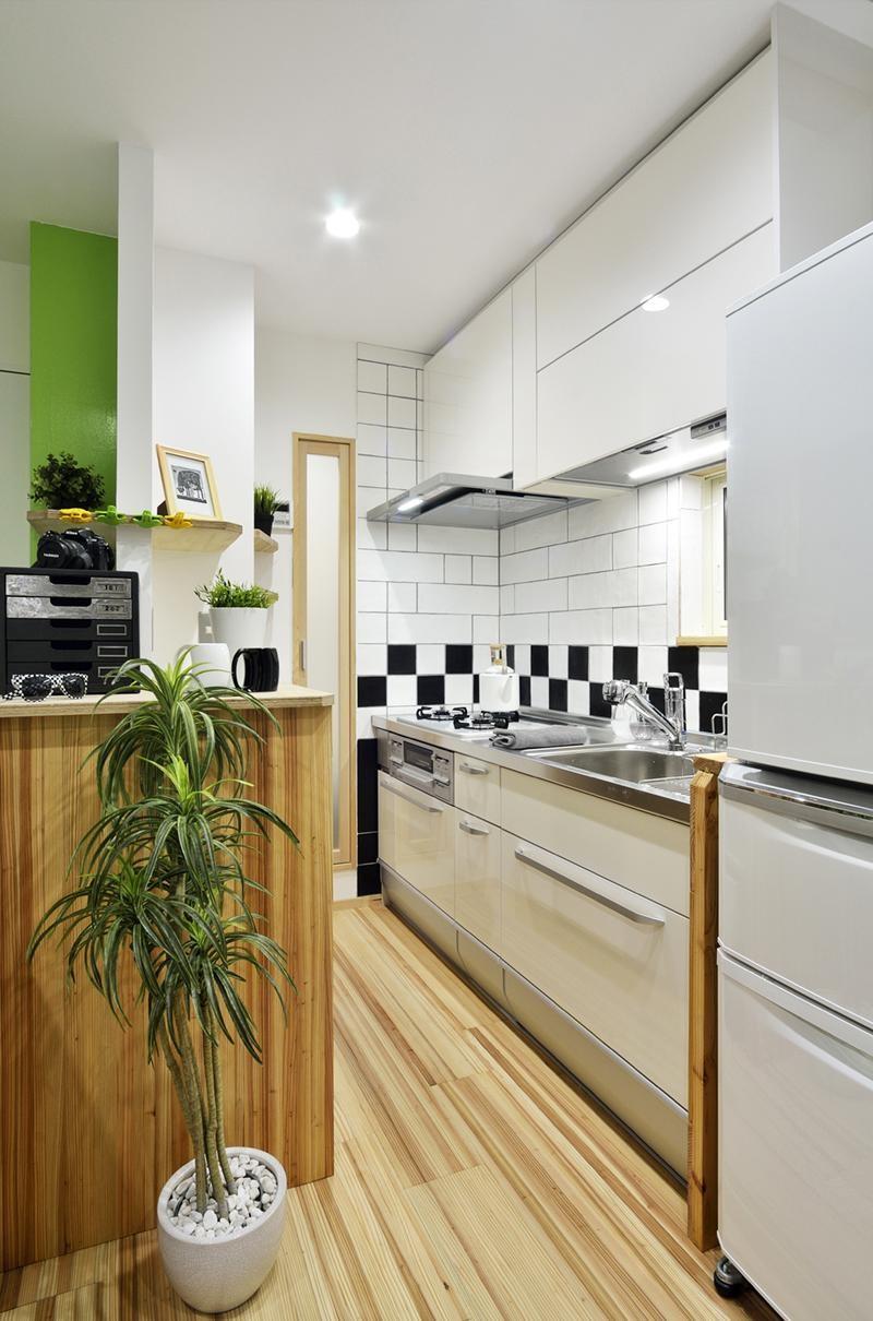 キッチン事例:シャープにまとまったキッチン(12坪のタイムスリップ)