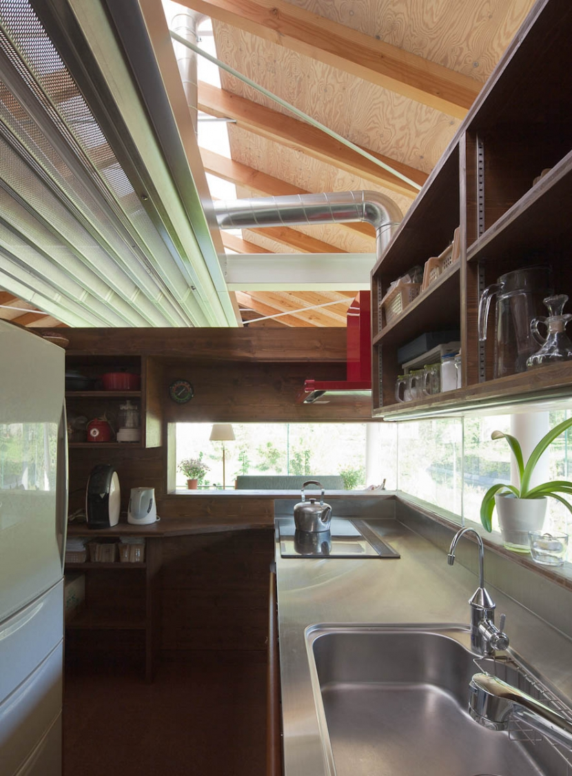 都幾川縁りのハイブリッド・ハウス/Onさんの家の写真 キッチン-コア部分