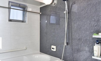 センターキッチンの住まい (浴室)
