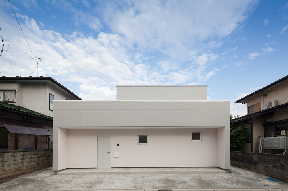 外観(道路側) (桜の住宅)
