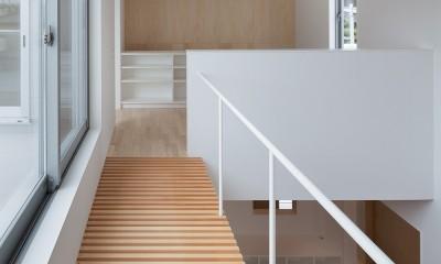 桜の住宅 (渡り廊下)