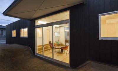 高松の平屋 (外部スペース)