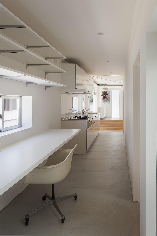 高松の平屋 (スタディーコーナー,キッチン)