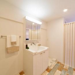 仕事のためのベースキャンプ (洗面室もシンプルに。)