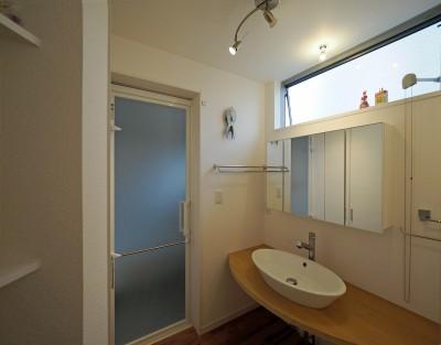 賃貸併用住宅 神奈川 (オーナー住居の洗面室)