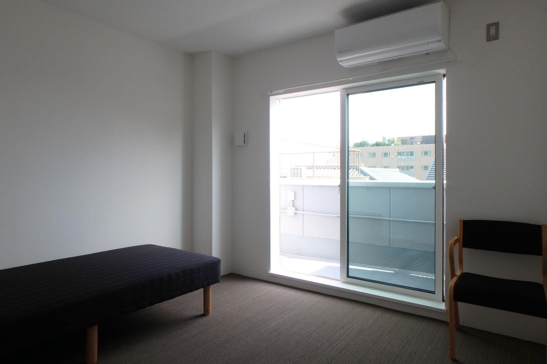 ベッドルーム事例:シェアハウス居室(Kururi|倉庫・工場をコンバージョンしたゲストハウス・シェアハウス【奈良市】)