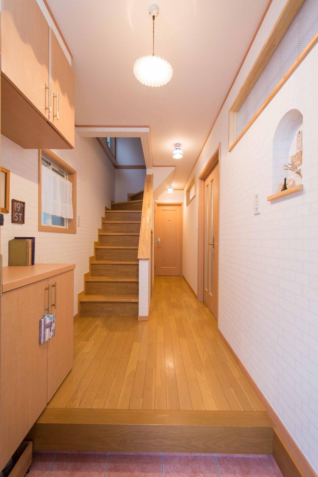 その他事例:階段(室内にも明り取り窓を付けて明るく!戸建てリフォーム)