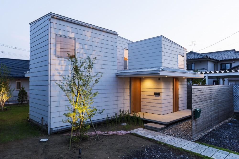 外観 (on house)