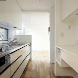 善福寺の2世帯住宅/Yoさんの家 (キッチン)