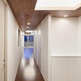 305号室 (廊下)