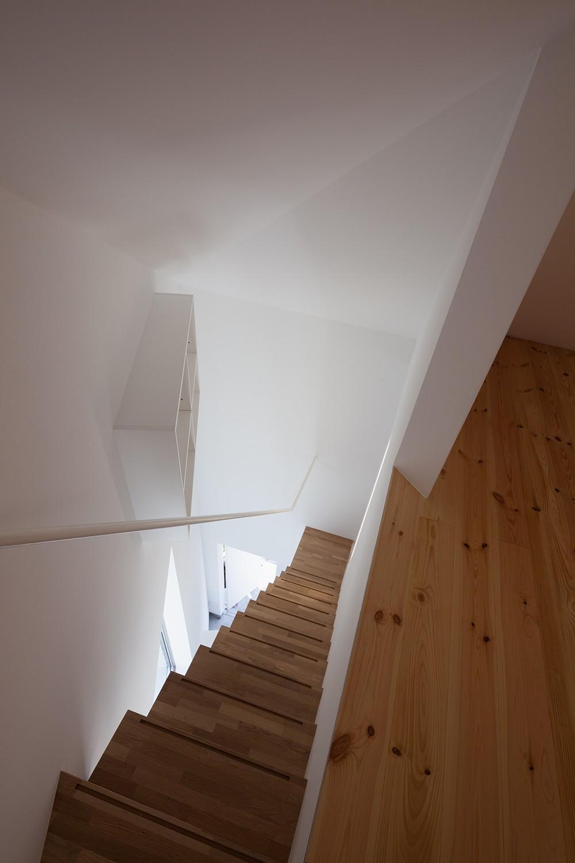 山王の住宅 (階段)