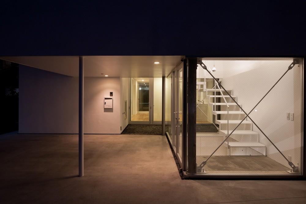 平間の2世帯住宅 (駐車場、玄関)