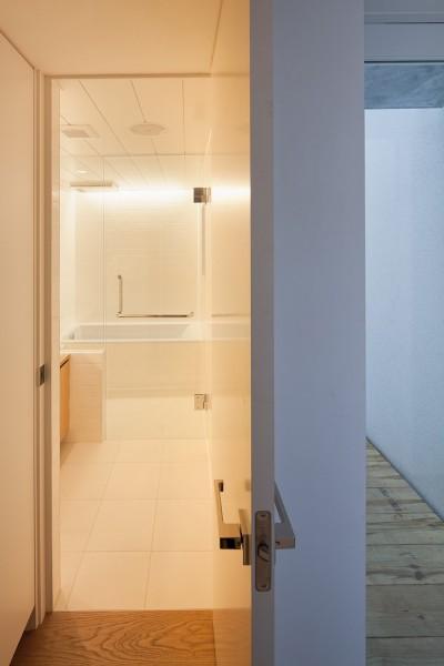 浴室 (三鷹の住宅)