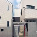 老朽化したアパート建替え。デザイナーズで土地有効活用の写真 デザイナーアパートのオートロック付きエントランス