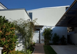 善福寺の2世帯住宅/Yoさんの家 (道路側西面外観)