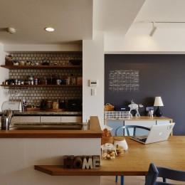 既存空間+ビンテージ家具、うまくとけ合うちょこっとリノベ