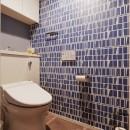 既存空間+ビンテージ家具、うまくとけ合うちょこっとリノベの写真 トイレ