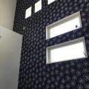 スキップフロアのある和モダンな家の写真 主寝室
