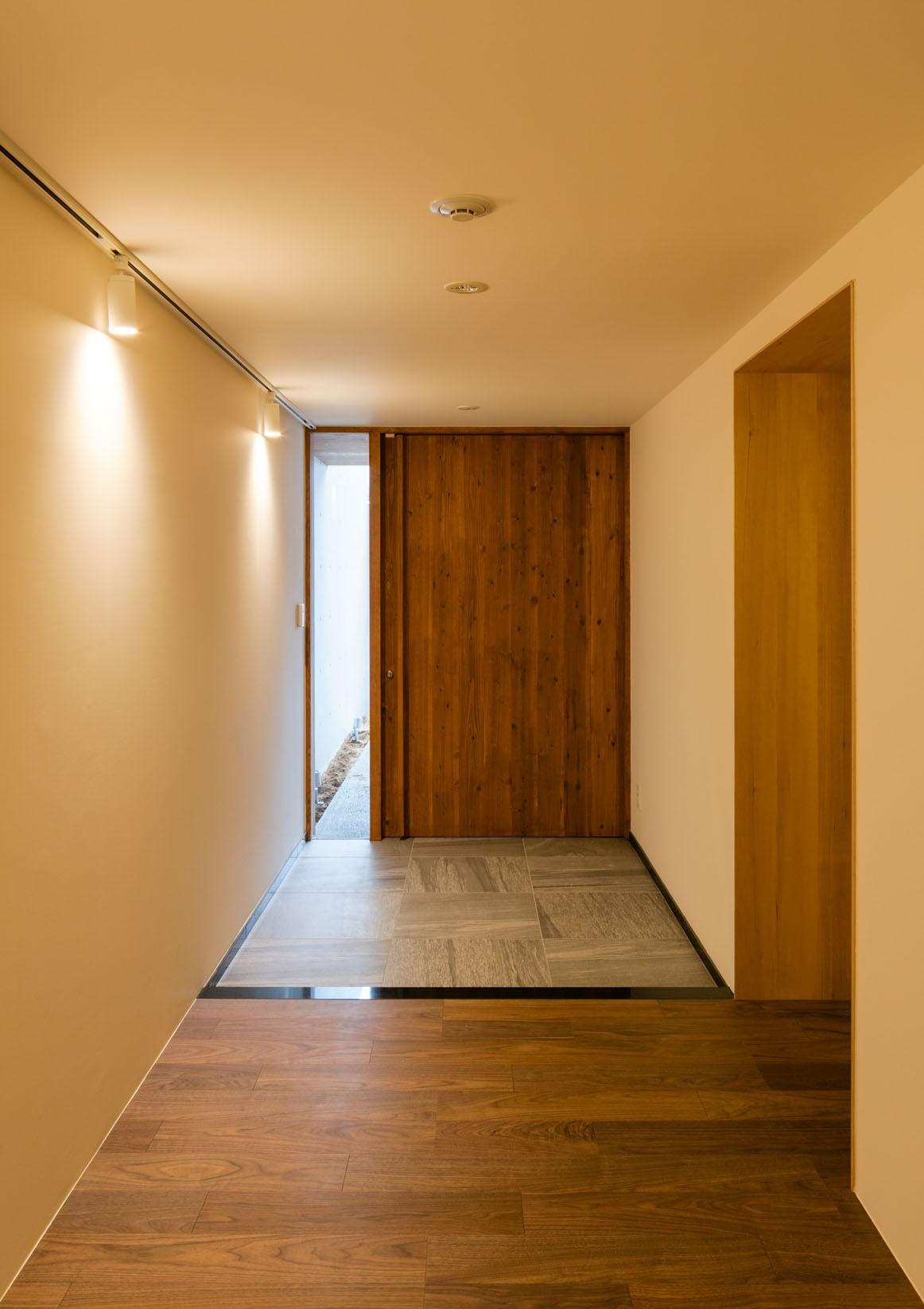 玄関事例:玄関(五条坂の家)