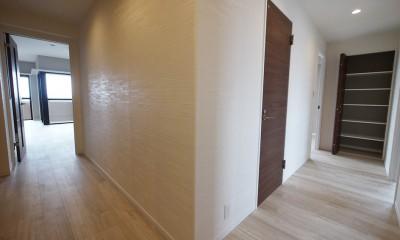 廊下|シックなカラーの上質空間