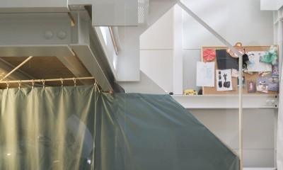 階段|『』の家|鉄骨狭小スキップフロアのガレージハウス【大阪市】