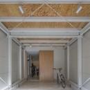 『』の家|鉄骨狭小スキップフロアのガレージハウス【大阪市】の写真 ガレージ