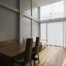 『』の家|鉄骨狭小スキップフロアのガレージハウス【大阪市】の写真 リビング・ダイニング