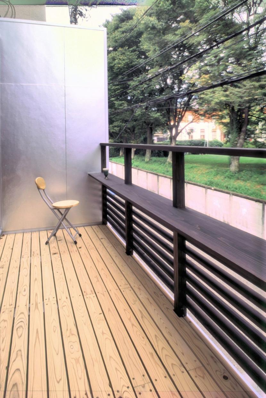 小石川植物園と向き合う家/Niさんの家の部屋 バルコニー(1)