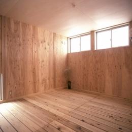 小石川植物園と向き合う家/Niさんの家 (1階寝室)