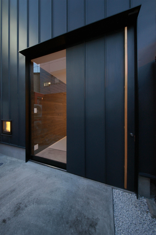 外観事例:玄関ドア2(最小限ハウス)