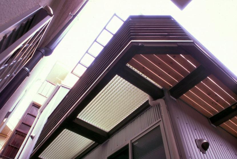 小石川植物園と向き合う家/Niさんの家の写真 バルコニー(2)