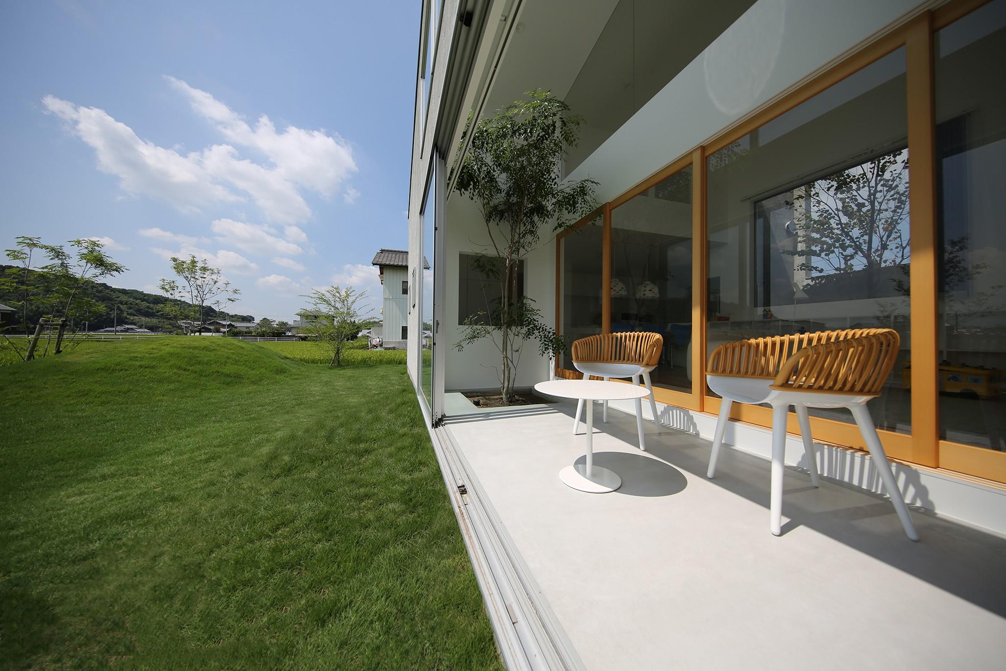リビングダイニング事例:土間(House in Kawanabe ~緑と共に暮らす家~)