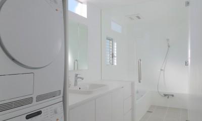 洗面、浴室|House in Kawanabe ~緑と共に暮らす家~