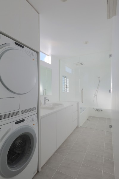 洗面、浴室 (House in Kawanabe ~緑と共に暮らす家~)