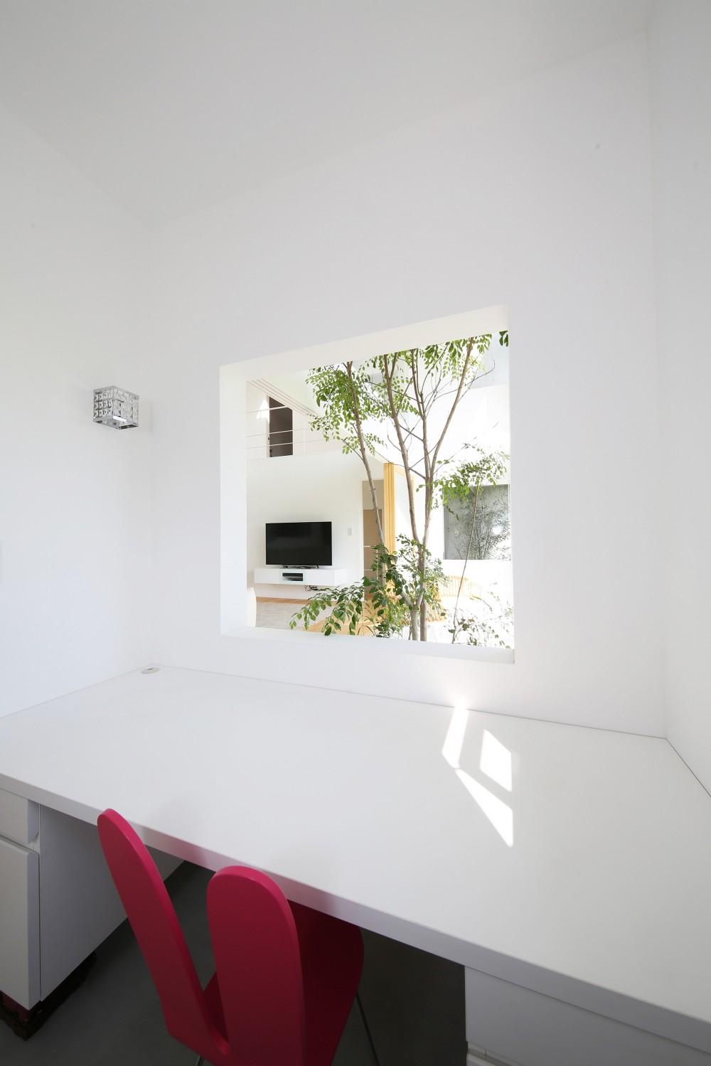 House in Kawanabe ~緑と共に暮らす家~ (家事室、書斎)