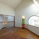 光を感じながら暮らせる家の写真 居室