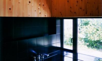 切妻の家 (浴室)