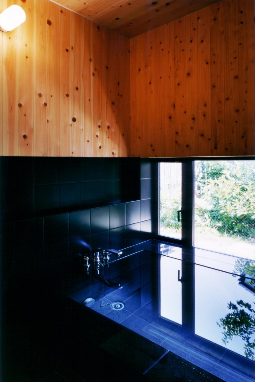 切妻の家の部屋 浴室
