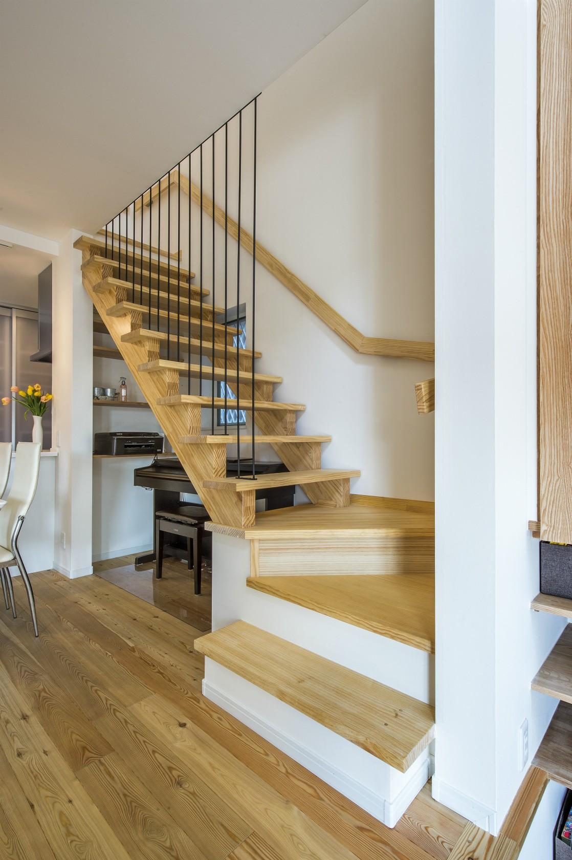 その他事例:リビング階段(スキップフロアのある家~パッシブハウス~)