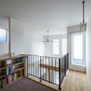 スキップフロアのある家~パッシブハウス~の写真 キッズコーナー(階段ホール)
