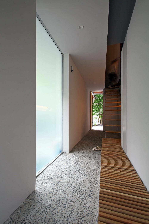ta house (土間・階段)