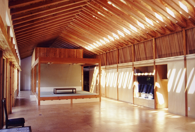 切妻の家の部屋 LDK+和室