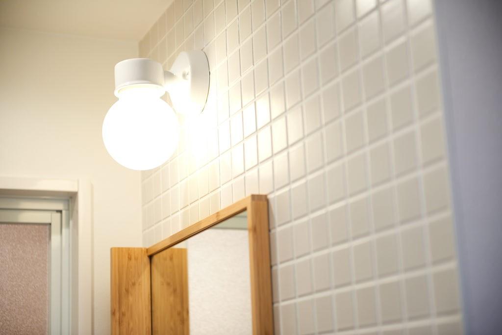 バス/トイレ事例:内装(光が行き交うシースルーハウス)