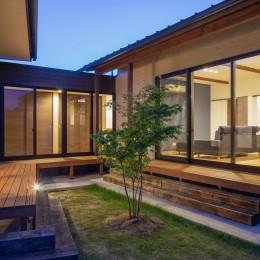 須賀川・今泉のリノベーション (中庭(夜景))