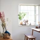 素材にこだわったシンプルなお家の写真 ダイニング