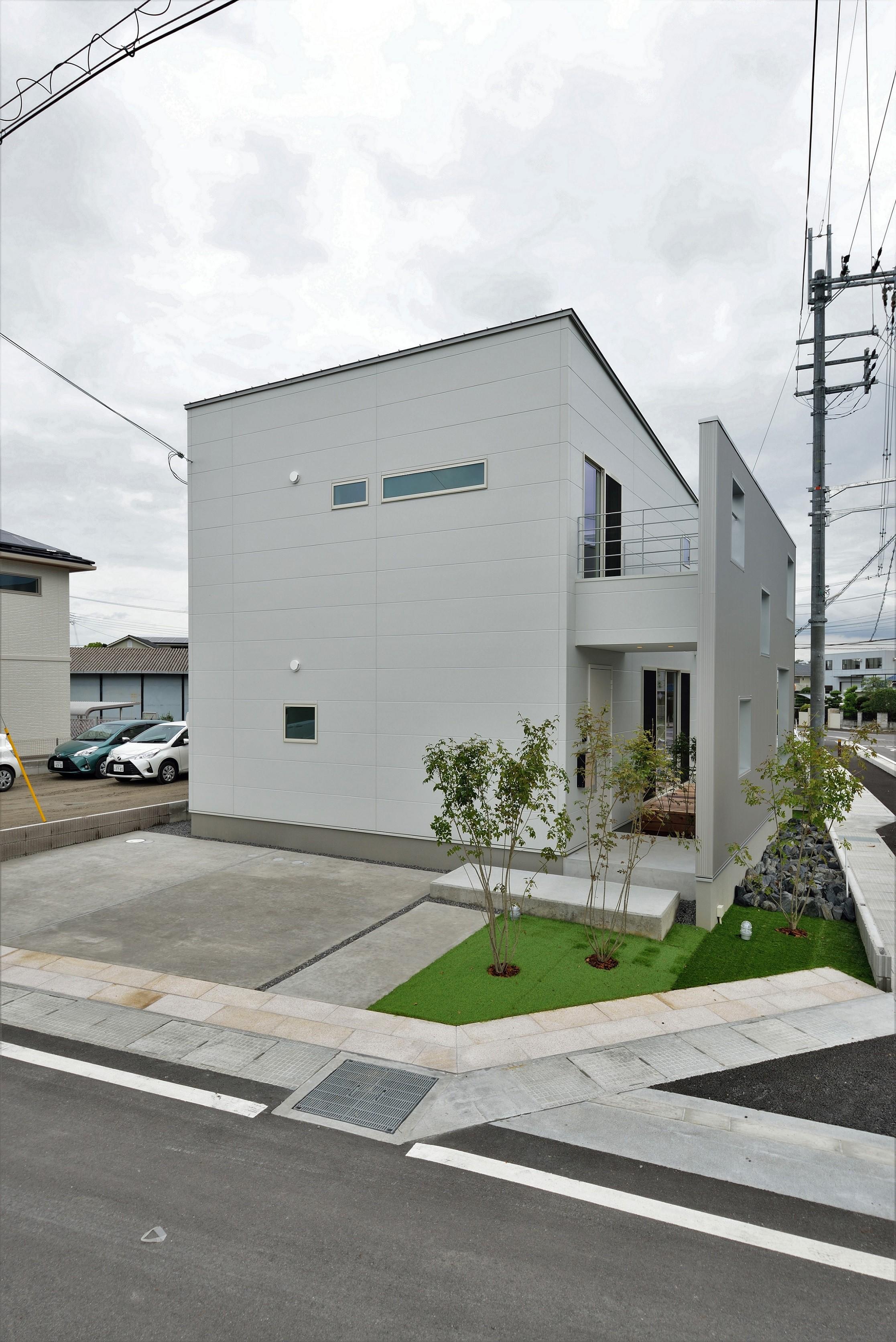 外観事例:外観(二重の壁をもつプライベートを確保した家(唐崎の家))
