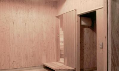 小石川植物園と向き合う家/Niさんの家 (1階土間ガレージ)