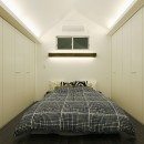 スタイリッシュな家の写真 ベッドルーム