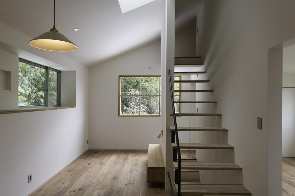 木立の中の家 (リビング)