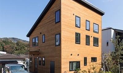 葉山の自然と調和する家